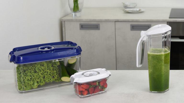 4.5- in 0.5-litrska vakuumska posoda v kuhinji