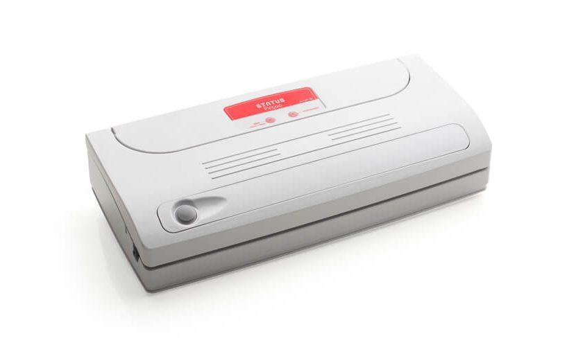 Aparat za vakuumiranje Familyvac FV500 na belem ozadju