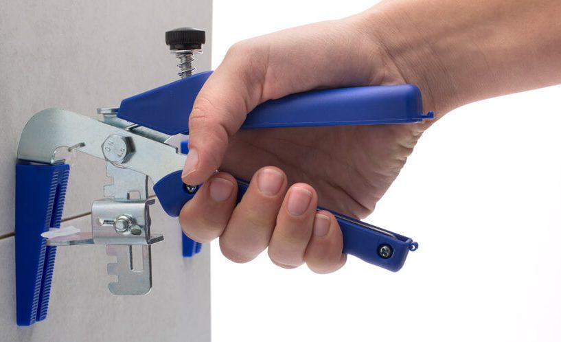 Easytiler klešče za stensko niveliranje ploščic.