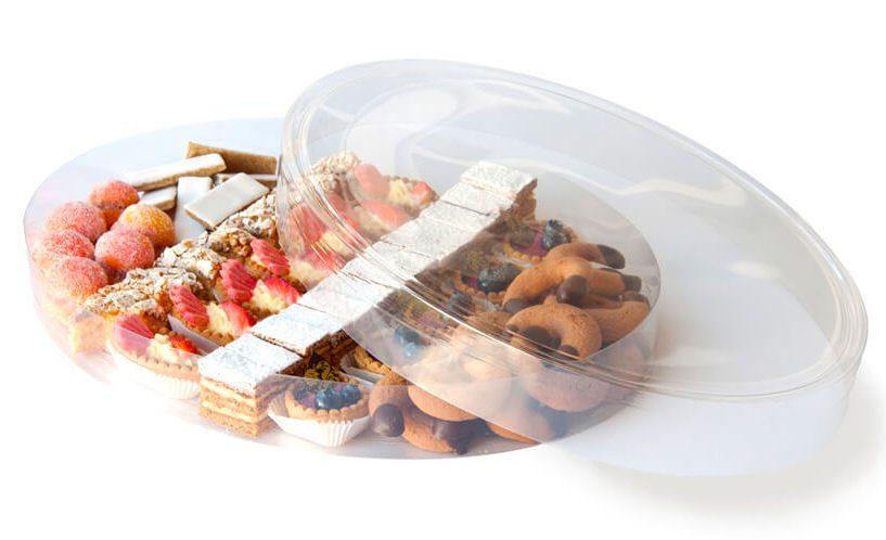 Pecivo v škatli za shranjevanje s pokrovom