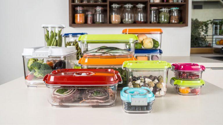 Vakuumsko shranjena živila v vakuumskih posodah Status različnih volumnov.