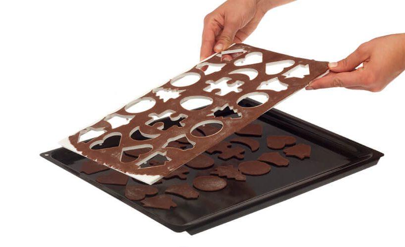 Plošča za rezanje 23 piškotov naenkrat.