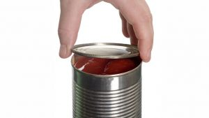 Odprta konzerva paradižnika