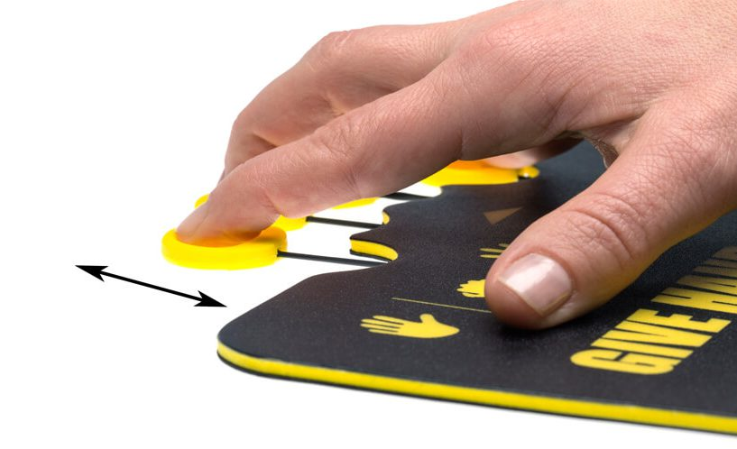 Aktivna podloga za miško za razgibavanje prstov