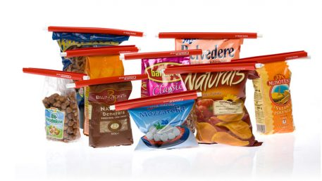 različna živila v originalni embalaži, zaprta s Power Seal zapirali.