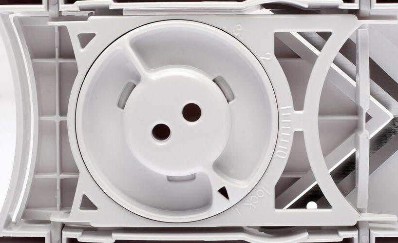 Spodnja stran mini rezalnika rezinarja - nastavitev debeline rezanja