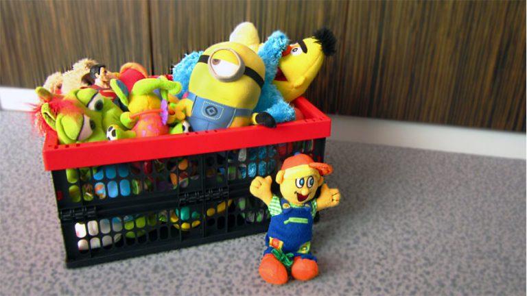 igrače v zložljivem zaboju