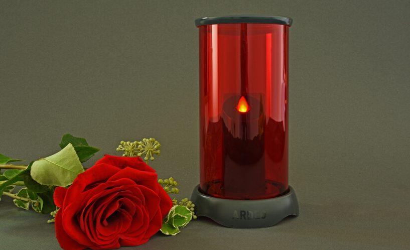 elektronska sveča, ki sveti kot prava